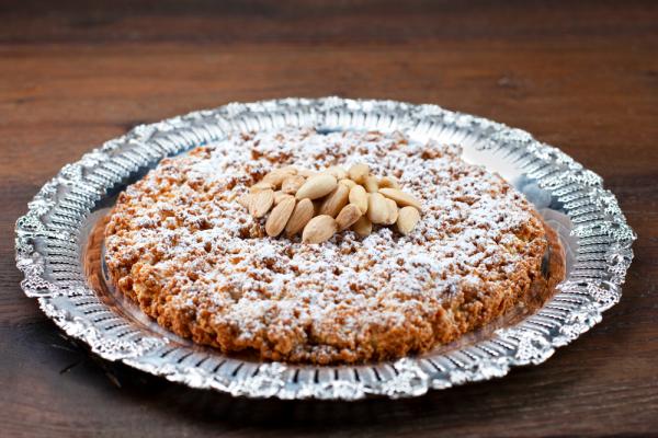 Giant Almond Crumb Biscuit (Fregolata)