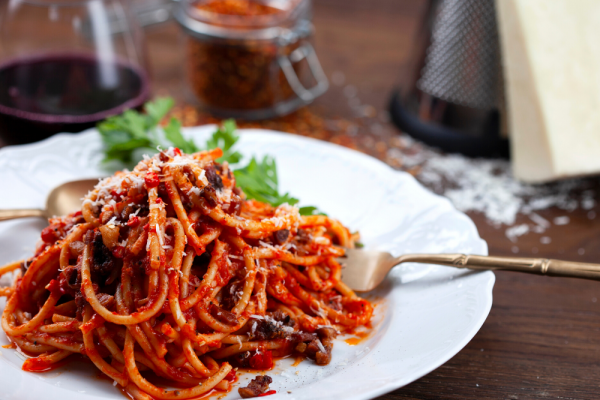 BUCATINI WITH AMATRICIANA SAUCE (BUCATINI ALL'AMATRICIANA)