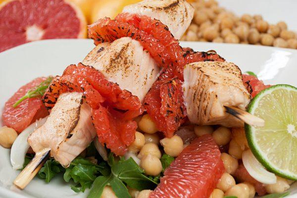 AIFA_2040_Theresa_Salmon and Grapefruit Kebabs with Garbanzo Bean Salad_horizontal_1