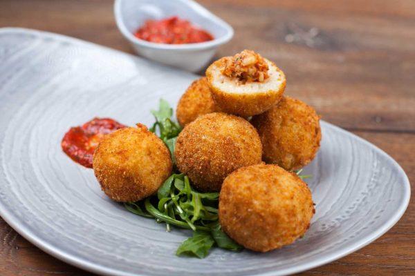 BI_1007_Rice Balls Stuffed with Seafood_horizontal_1