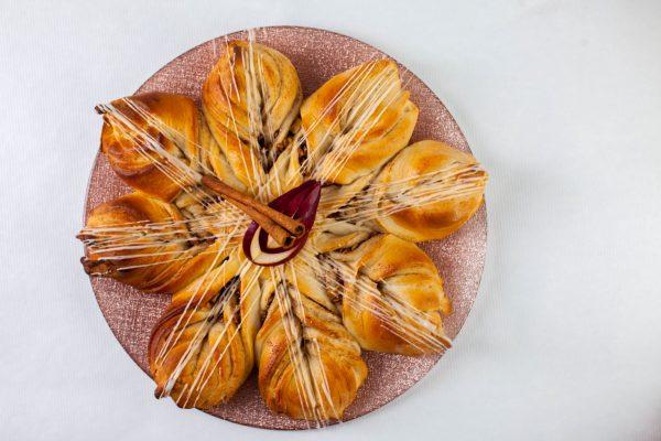 Apple Cinnamon Star Bread from Flour Power