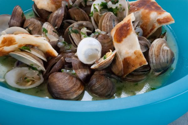|beer steamed clams with grilled gozleme