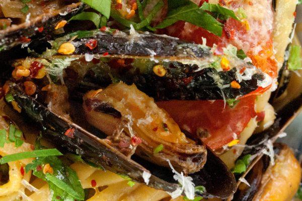 FTD_2028_Mushroom Tea Steamed Mussel Linguine_horizontal_ver 1