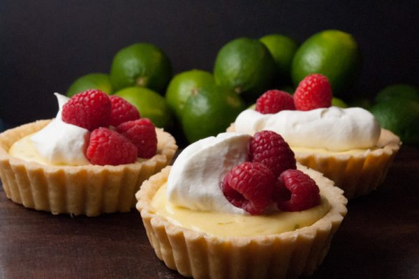 |Lime curd tarts with raspberry|Lime curd tarts with raspberry