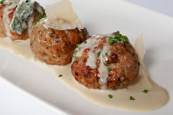 OWK_2043_Ricotta Meatballs with Four Cheese Sauce_horizontal_ver1