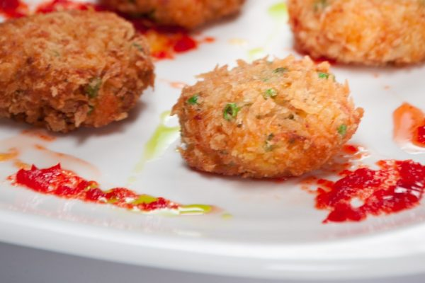 THA_shrimp_cakes_pic1 web crop
