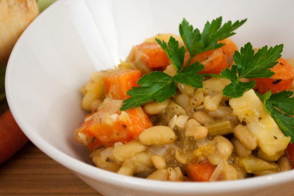 UV_1012_Vegetarian Cassoulet with Herbes de Provence Mix_horizontal_v1