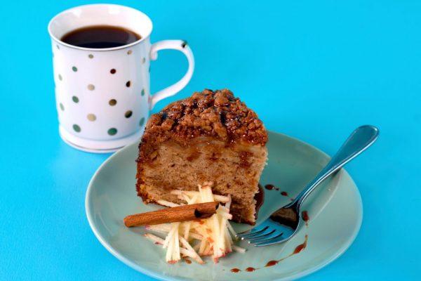 Dulche De Leche Apple Coffee Cake